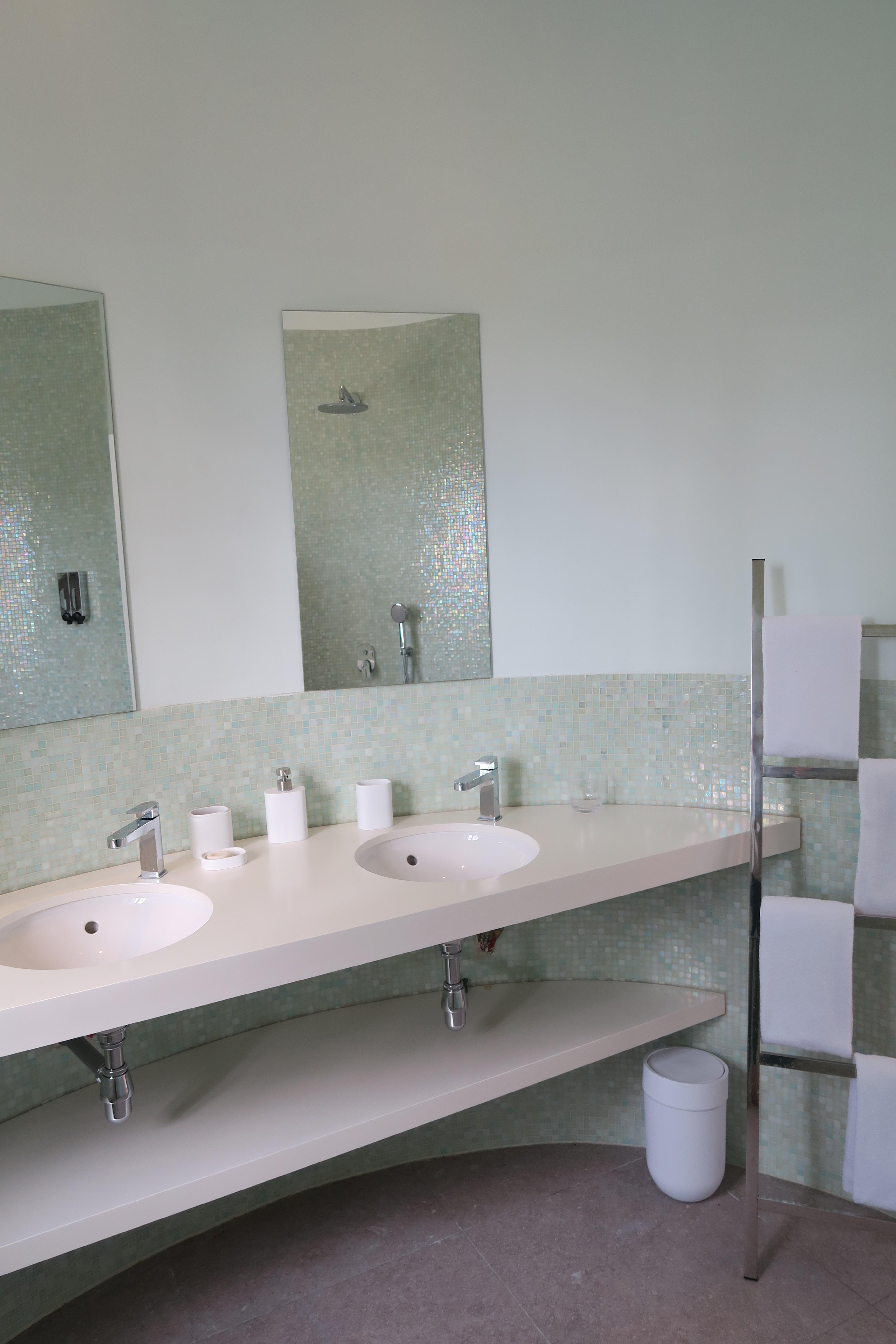 Salle de bain d'une des chambres d'hôtes du château Gué Chapelle